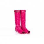 Doar la Oteros am gasit cizme dama de vara culoarea roz