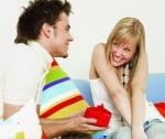 Uite ce cadouri îi poţi face de Ziua Îndrăgostiţilor